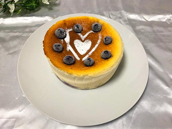 ブルーベリーのチーズケーキの画像