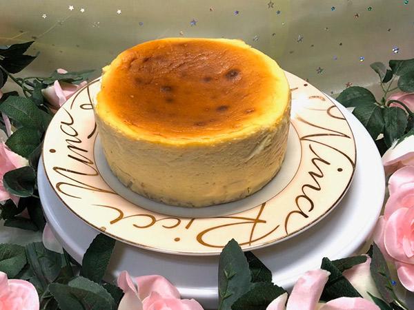 プレーンのチーズケーキの画像